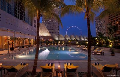 Conrad_Centennial-Singapore-Pool-1-63378.jpg