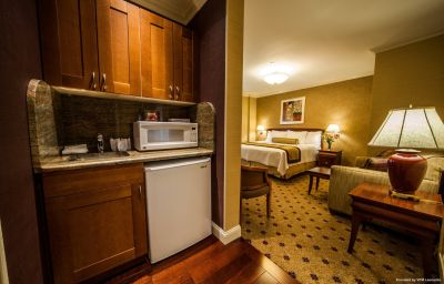 WELLINGTON_HOTEL-New_York-Suite-5-64047.jpg