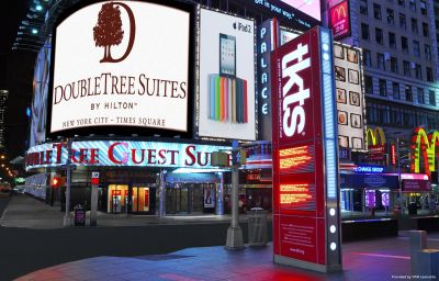 Фасад Doubletree STES by Hilton Times Square New York (Manhattan, New York)