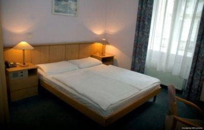 City_Hotel_Ring-Budapest-Room-3-71598.jpg