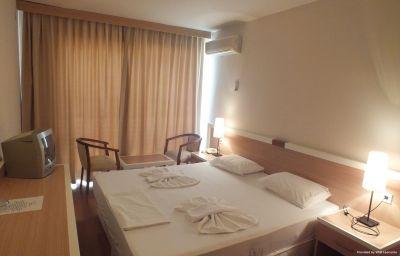 Tuntas_Hotel_Altinkum-Didim-Room-3-74232.jpg