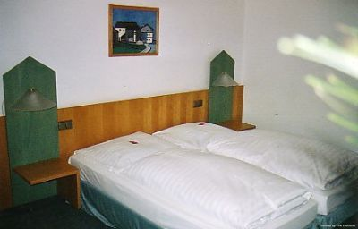 Perlach-Munich-Room-2-74969.jpg