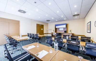 Holiday_Inn_Express_DORTMUND-Dortmund-Conference_room-15-82215.jpg
