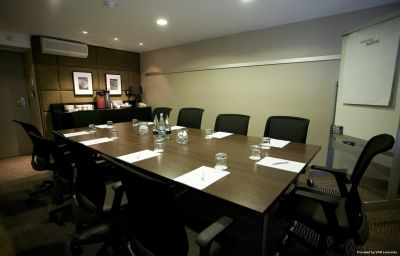 Crowne_Plaza_MANCHESTER_AIRPORT-Manchester-Conference_room-47-82485.jpg
