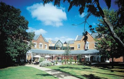 Vista exterior Coulsdon Manor Hotel and Golf Club Croydon (England)