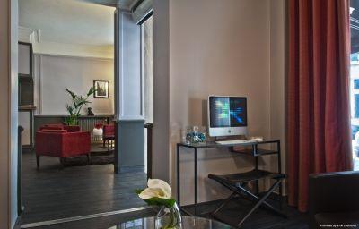 BEST_WESTERN_Elysees_Paris_Monceau-Paris-Hall-4-89739.jpg