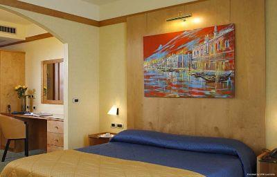 Ai_Pini_Park_Hotel-Mestre-Room-5-90701.jpg