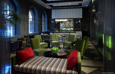 THE_ALLERTON_MAGNIFICENT_MILE-Chicago-Hotel_bar-116381.jpg