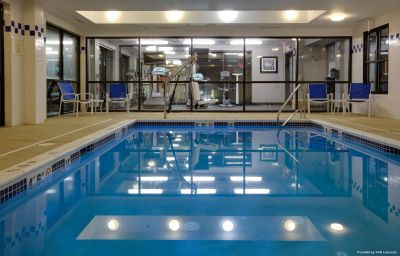 Бассейн Holiday Inn Express & Suites MEADOWLANDS AREA Carlstadt (New Jersey)