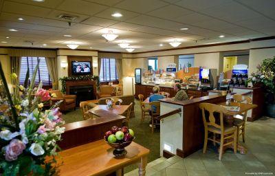Holiday_Inn_Express_EXTON-LIONVILLE-Exton-Hotel_bar-136176.jpg