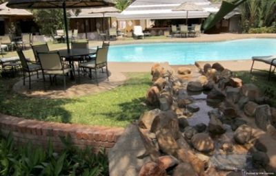 Pool CRESTA THAPAMA HOTEL Francistown