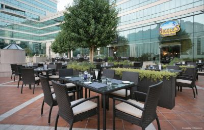 Restaurant Millennium Airport Hotel Dubai