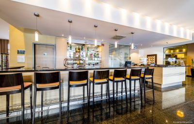 Holiday_Inn_Express_FRANKFURT_-_MESSE-Frankfurt_am_Main-Hotel-Bar-17-153381.jpg
