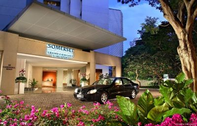 Фасад SOMERSET GRAND CAIRNHILL Singapore