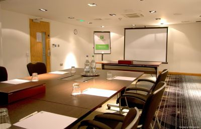 Holiday_Inn_NEWCASTLE_-_JESMOND-Newcastle_Upon_Tyne-Conference_room-23-213223.jpg