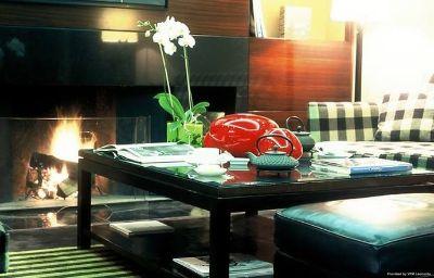 Renaissance_Paris_Vendome_Hotel-Paris-Hall-9-217485.jpg