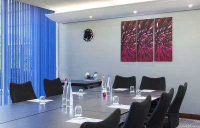 Park_Inn_By_Radisson-Northampton-Conference_room-3-223332.jpg