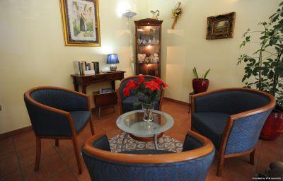 Hall de l'hôtel Mediterraneo