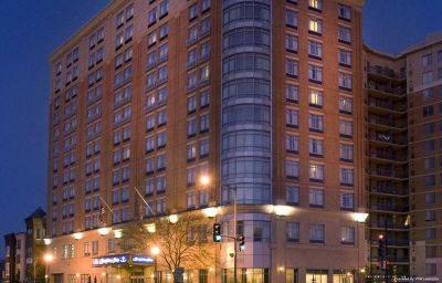 Фасад Hampton Inn Washington-Downtown-Convention Center DC Washington (District of Columbia)