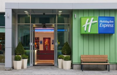 Фасад Holiday Inn Express NEWCASTLE CITY CENTRE Newcastle Upon Tyne (England)