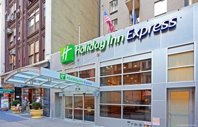 Vue extérieure Holiday Inn Express NEW YORK CITY FIFTH AVENUE