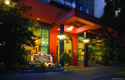 Vista exterior SUNSET INN AND SUITES Vancouver (British Columbia)