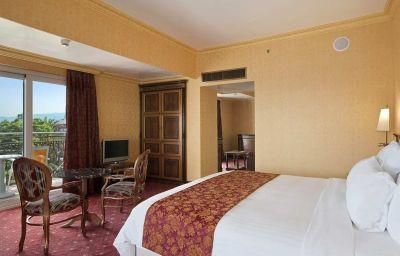 Hilton_Giardini_Naxos-Giardini_Naxos-Suite-5-402360.jpg