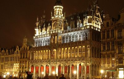Фасад B-Aparthotel Grand' Place Brussels (Brussels-Capital Region)