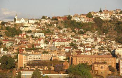 CARLTON_MADAGASCAR_SUMMIT_HOTE-Antananarivo-Exterior_view-1-441417.jpg