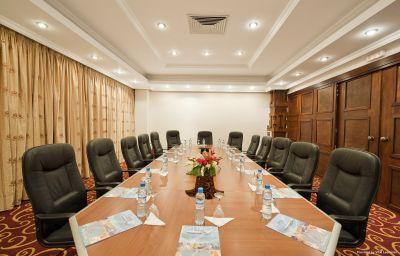 CARLTON_MADAGASCAR_SUMMIT_HOTE-Antananarivo-Conference_room-4-441417.jpg