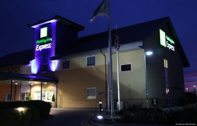 Holiday_Inn_Express_BRAINTREE-Braintree-Aussenansicht-3-456311.jpg