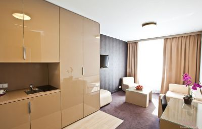 Фасад Platinum Palace Apartments Poznań (Greater Poland Voivodeship)