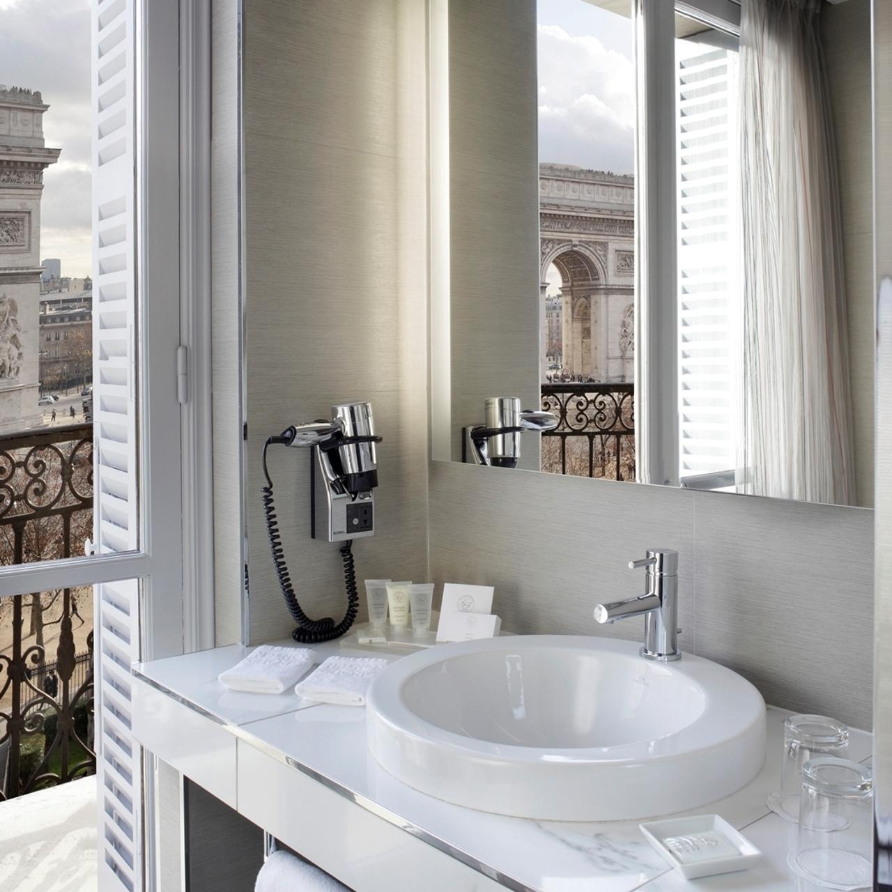 Splendid Etoile Hotel Paris île De France At Hrs With Free Services