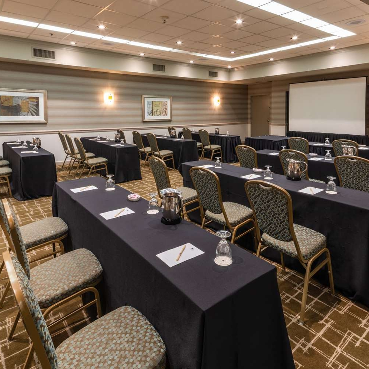Doubletree By Hilton Grand Hotel Biscayne Bay Miami Florida At Hrs With Free Services