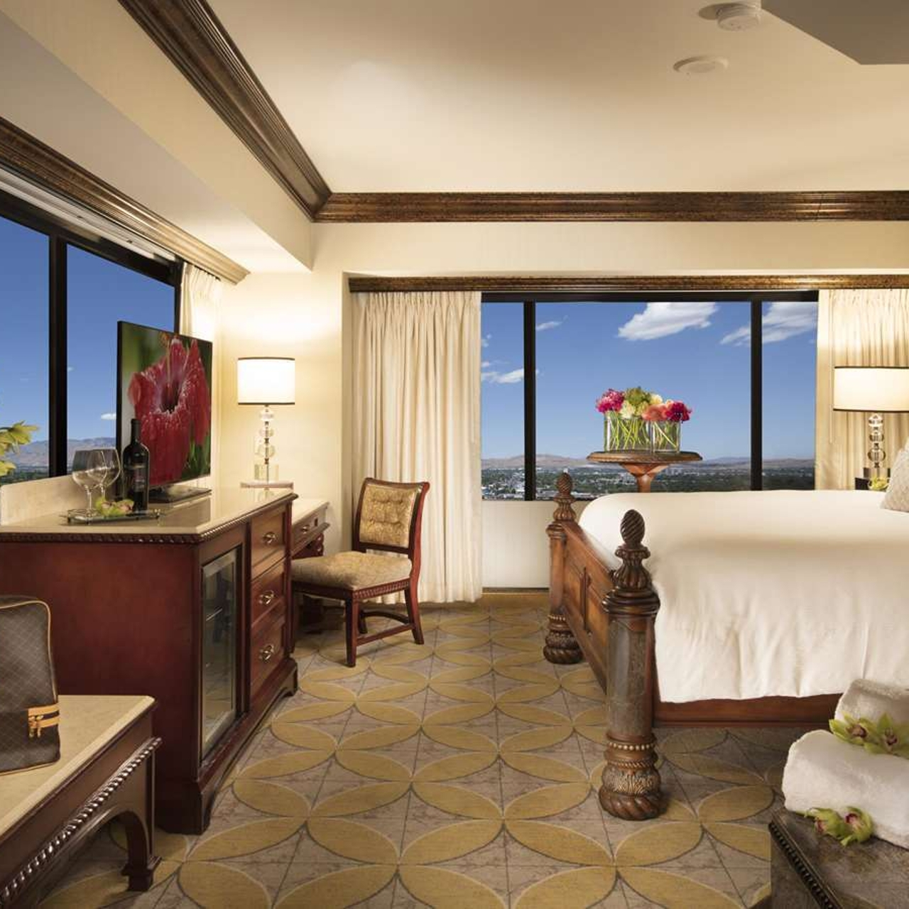 Hotel Peppermill Resort Spa 4