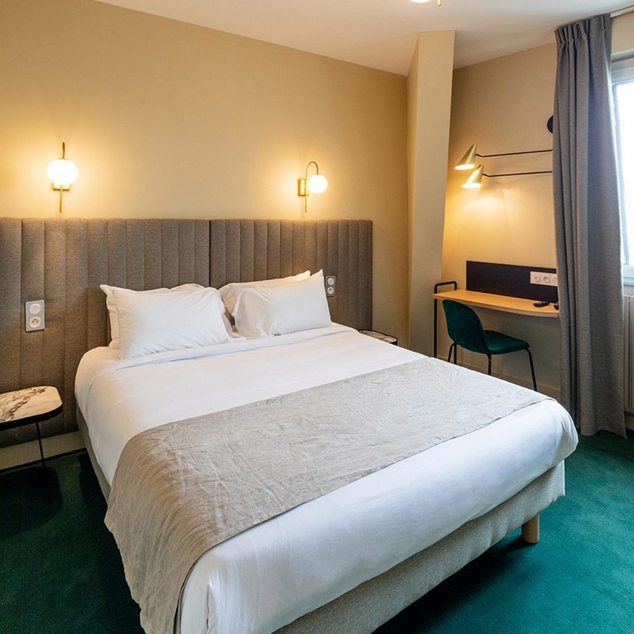 Grand Hotel De La Gare France At Hrs With Free Services