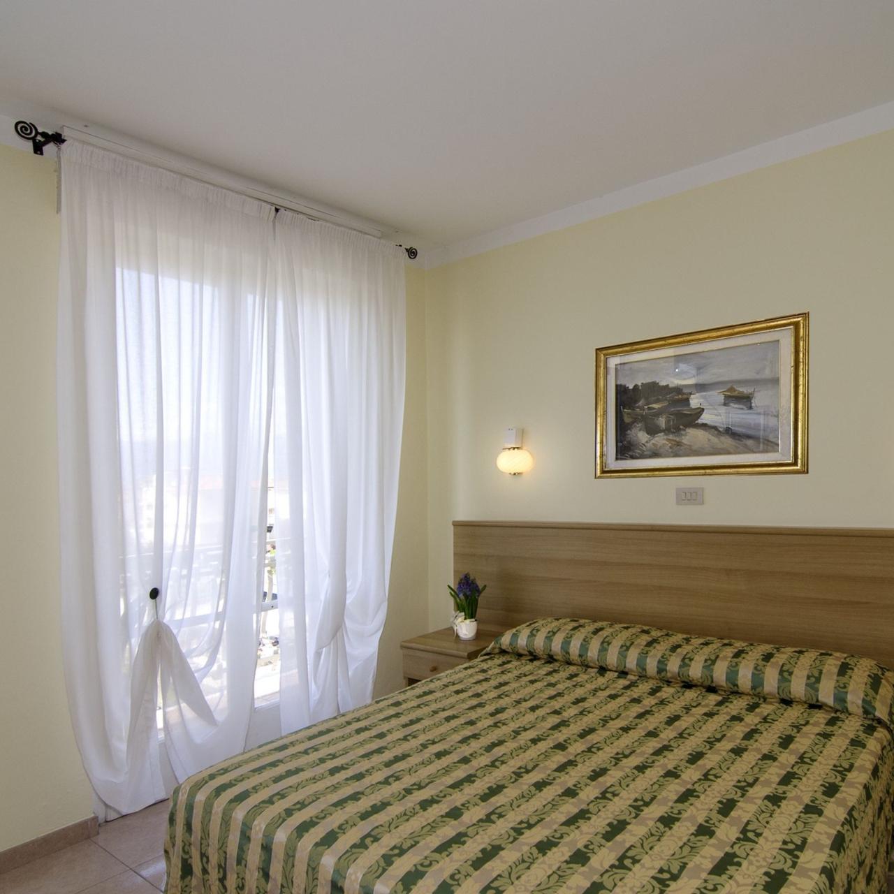 Hotel Nuovo Tirreno 3 Hrs Star Hotel In Lido Di Camaiore Camaiore Tuscany