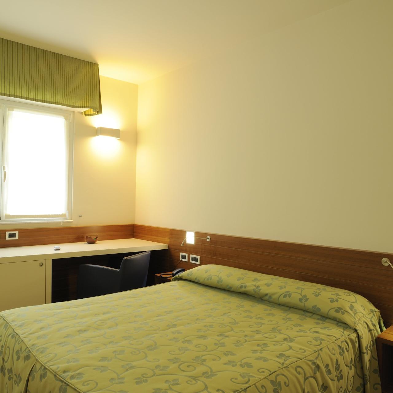 Hotel Le Roi Italia Presso Hrs Con Servizi Gratuiti