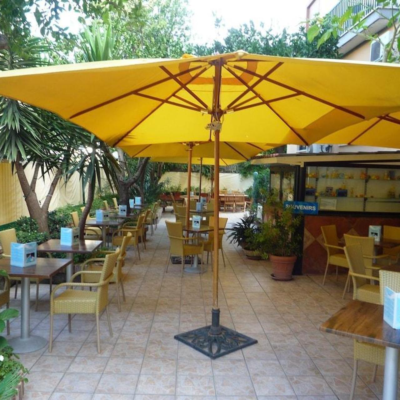 Hotel La Pergola 3 Hrs Star Hotel In Sorrento Campania
