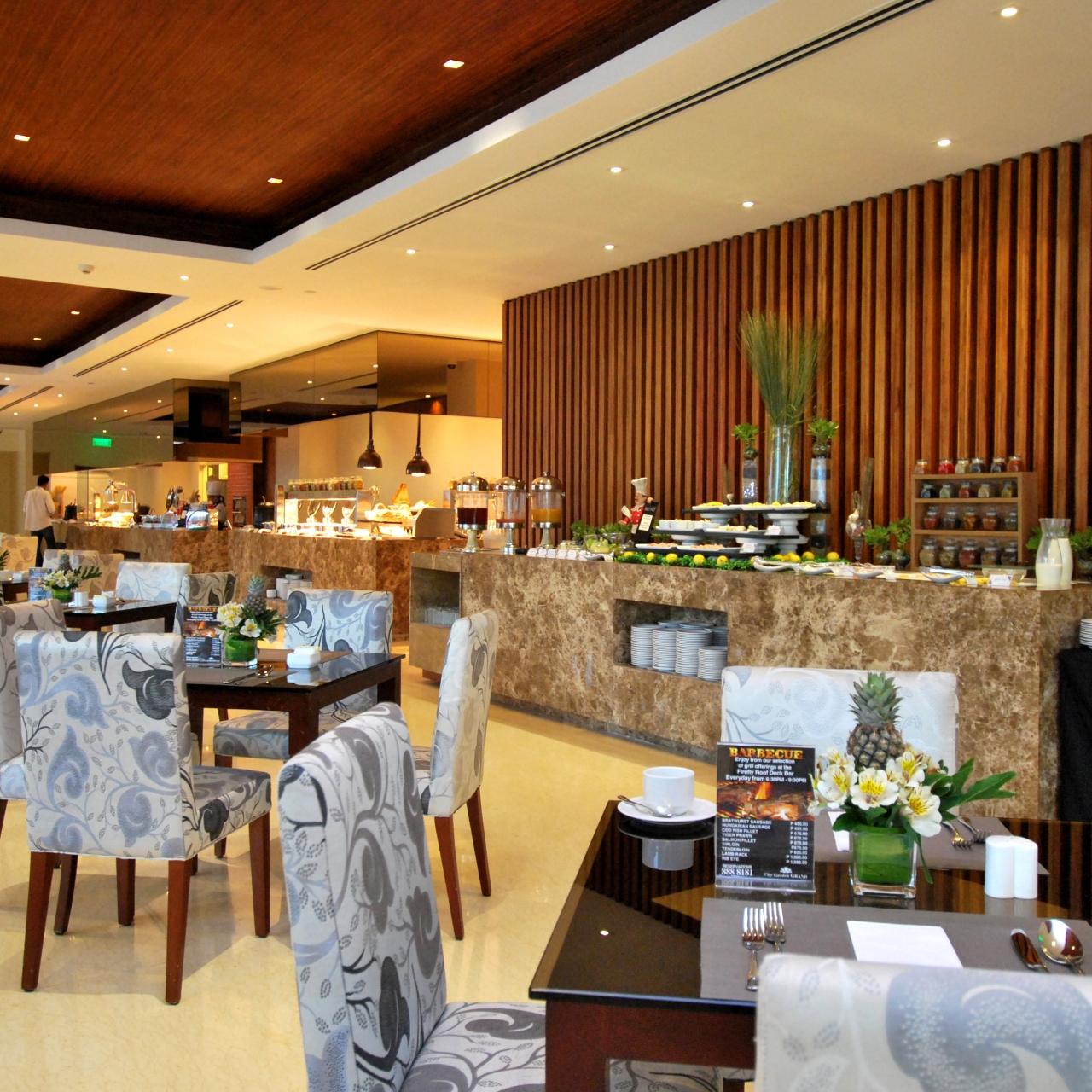 City Garden Grand Hotel 5 Hrs Star Hotel In Makati