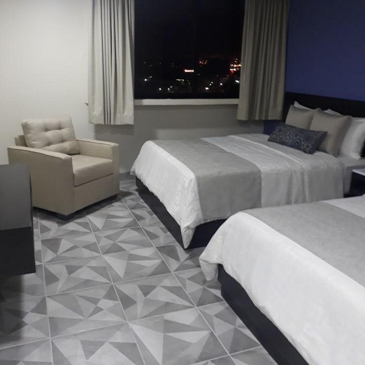 Hotel Corona Plaza 3 Hrs Star