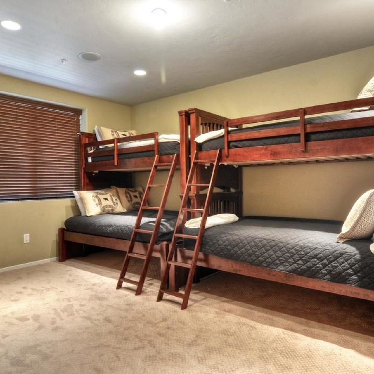 Picture of: Hotel No 20 Mountain Masterpiece 3 Hrs Star Hotel In Big Bear Lake California