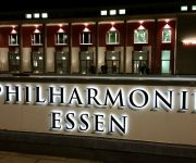 LUISE CITY – An der Philharmonie –