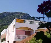 Bella Vista Beach Hotel and Studios