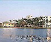 INYA LAKE HOTEL YANGON