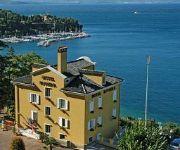 Riviera & Maximilian's