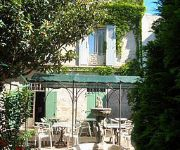 Au Saint Roch - Hotel & Jardin