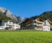 Appartementhaus Pinnisblick & Pension Roasthof
