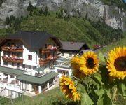 Hüttenwirt - Ihr Wohlfühlhotel am Dorfplatz