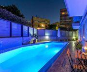 7 Palms Hotel Apartments
